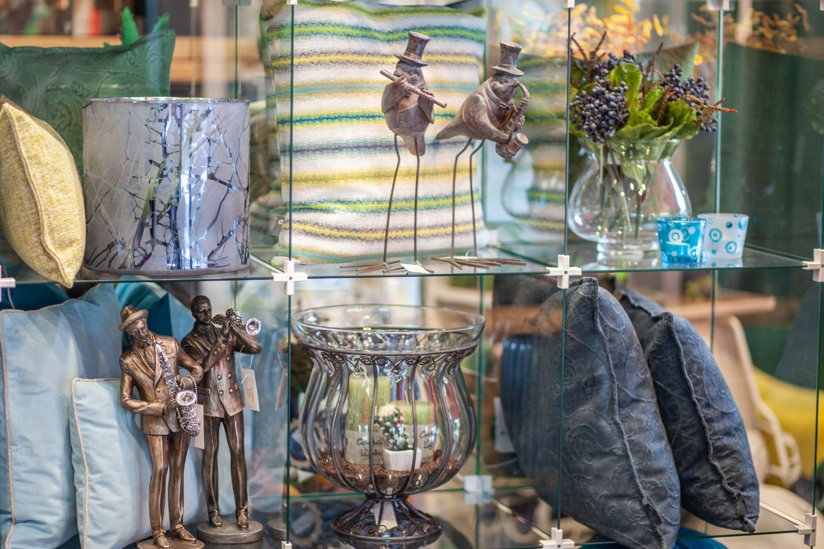 Kleine Figuren September 2019 bei Ege Raum & Design Mühldorf