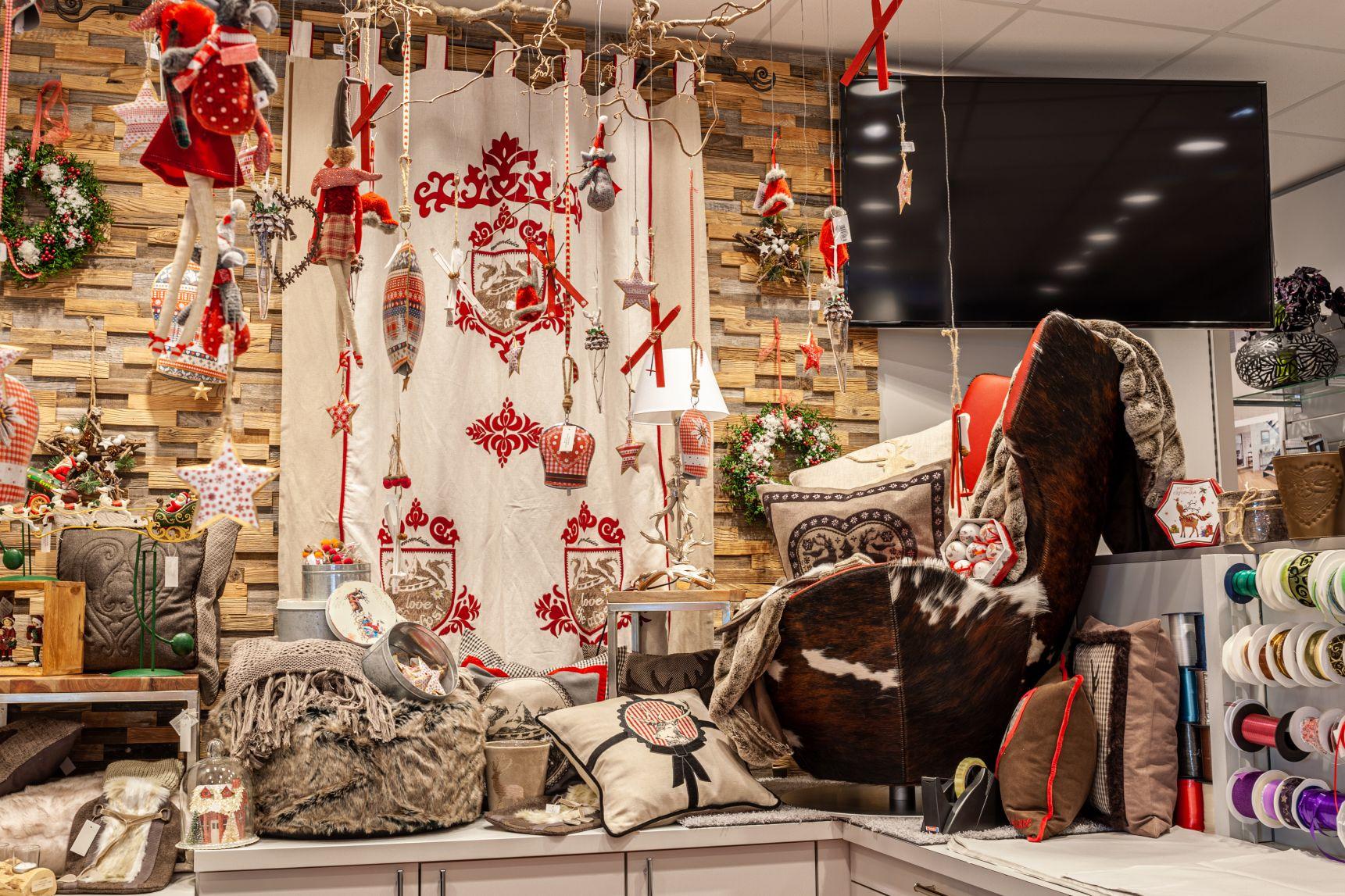 Weihnachtsdeko 2019 bei Ege Raum & Design Mühldorf