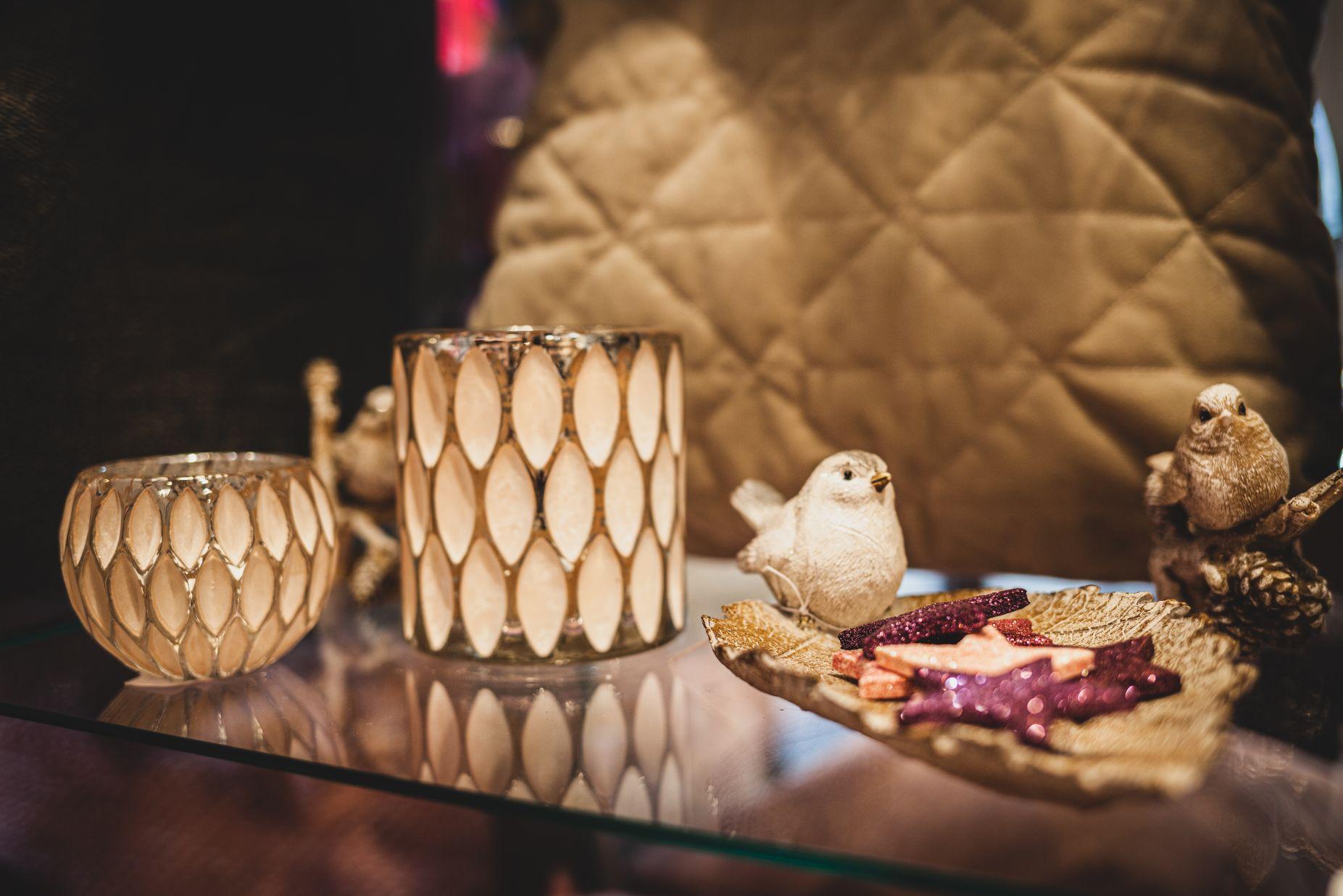 Vogel Figuren bei Ege Raum & Design Mühldorf