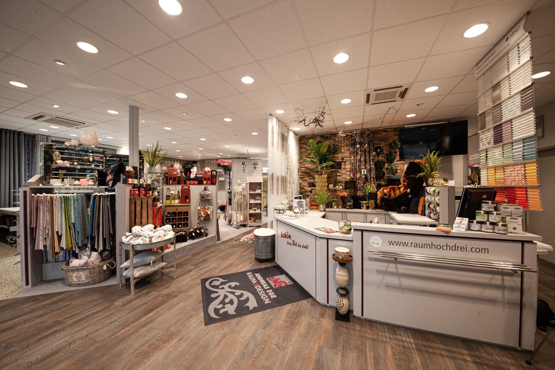 Eingangsbereich Dekoration bei Ege Raum & Design Mühldorf