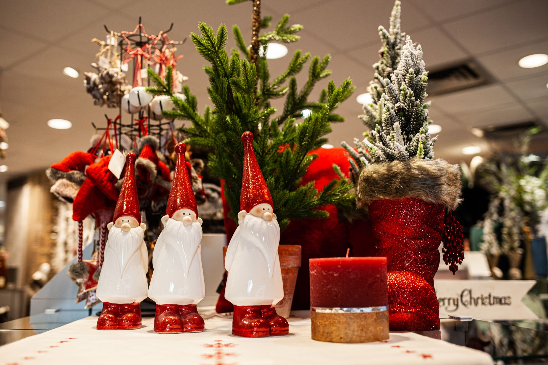 Weihnachtszwerge bei Ege Raum & Design Mühldorf